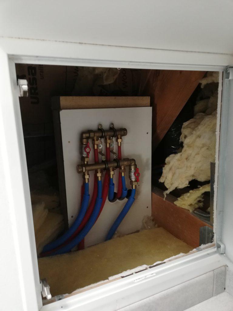 accès nourrices étages avec trappe laquée blanc