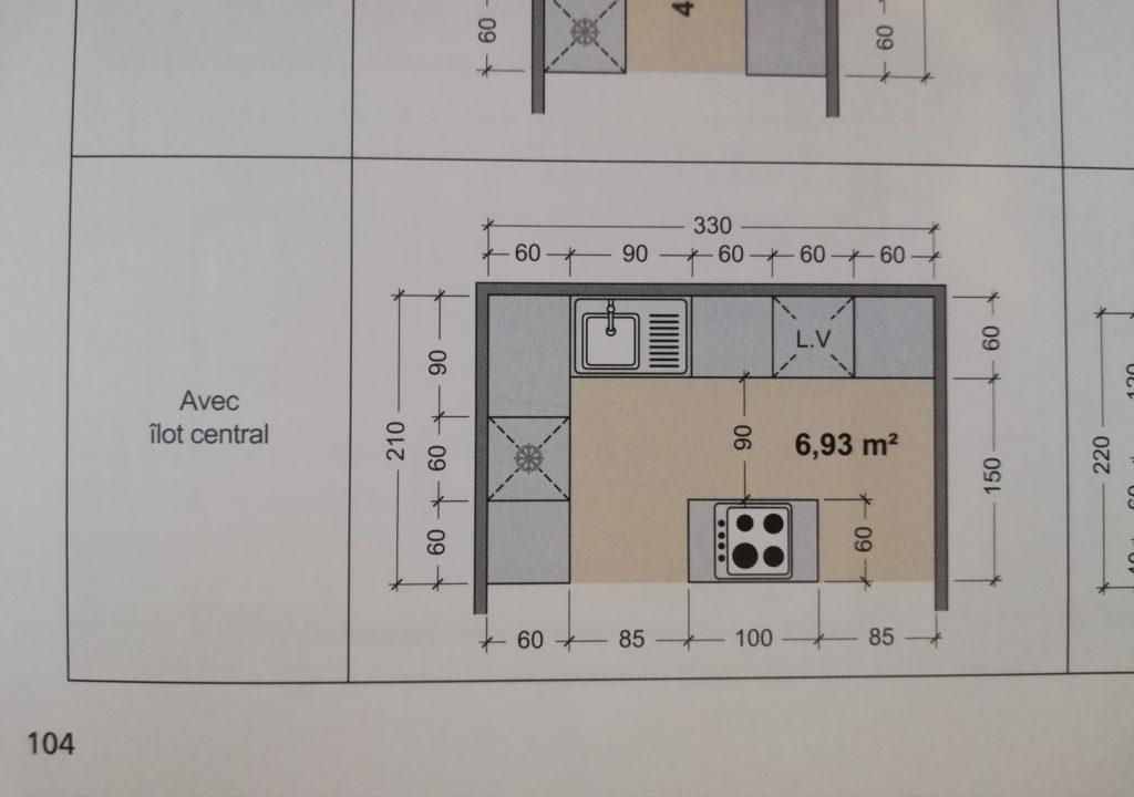 un des 20 exemples d'aménagement de cuisine du livre construire rénover et aménager une maison