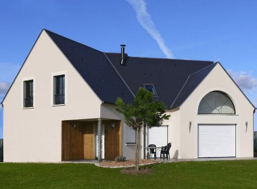 Forme de la maison complexe ne conviendra pas avec un plan pratique