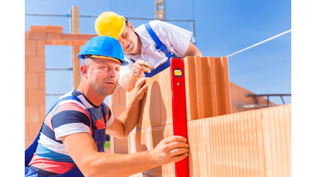 pose de brique monomur pour une construction de maison